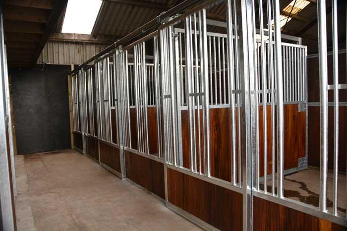 Quarantaine stallen paarden